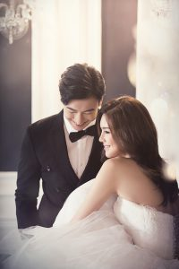 pareja vestida para boda